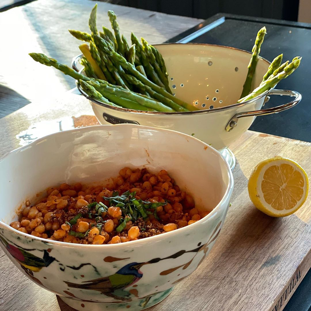 Bowls holding beans, tomatoes and asparagus | Food Fix